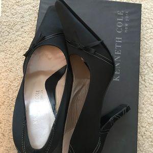 Kenneth Cole black satin heels never worn!